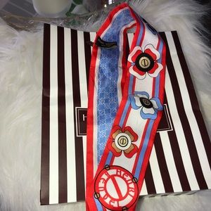 Henri bendel Mini bag scarf